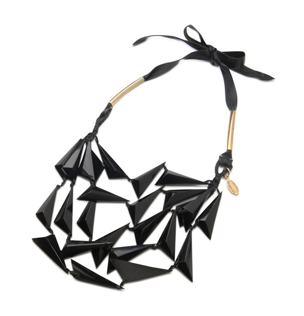 hand-carved-black-horn-and-leather-necklace